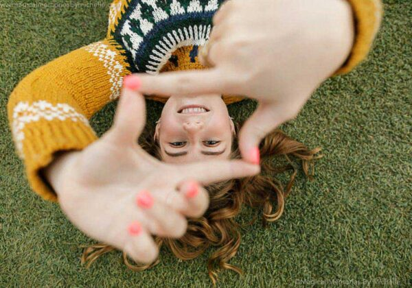 Outdoor Pictures Near the Water | Gilbert Senior Portrait Photographer